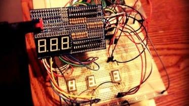 Raspberry Pi 7 Segment Display Temperature Monitor