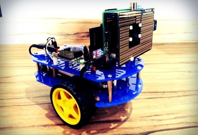 A Front Mounted Raspberry Pi Robot Camera | Average Maker