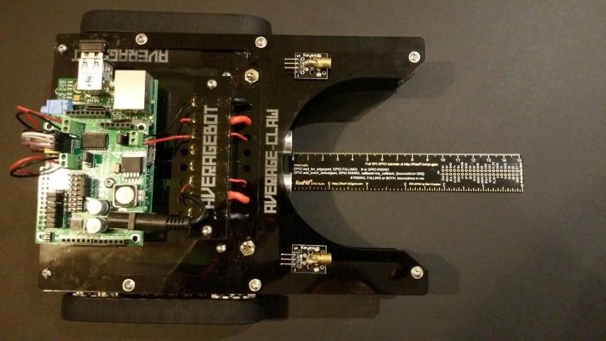 SR-04 distance measuring