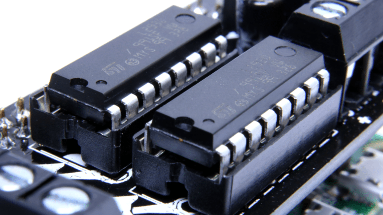 MotoZero Pi Zero Motor Controller | Average Maker